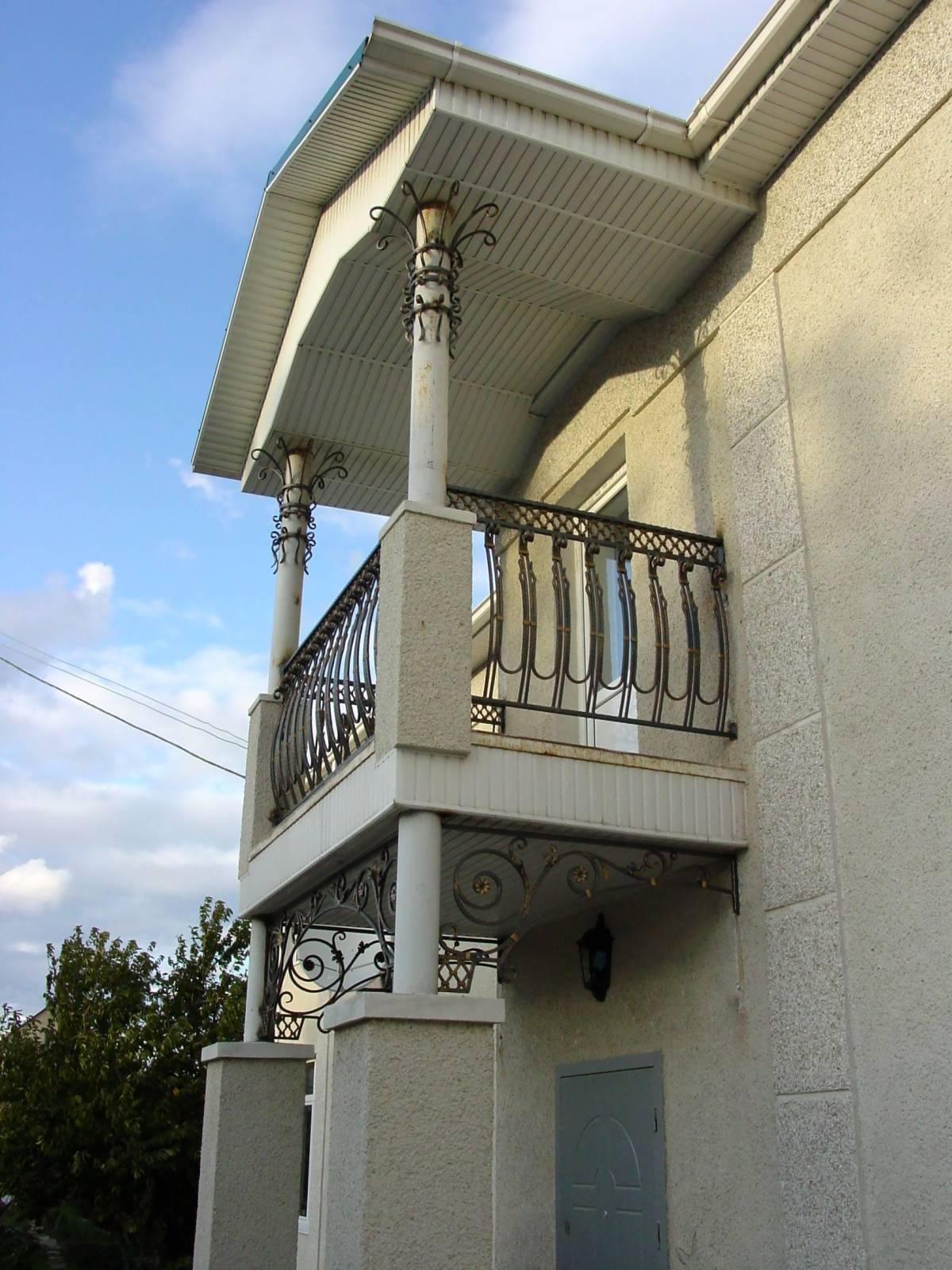 Столбы под балкон..